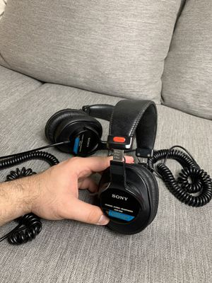 Sony MDR-7506 Closed-back Professional Headphones for Sale in Portland, OR