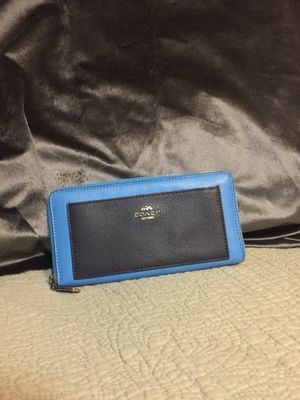 Coach wallet two toned for Sale in Alton, IL