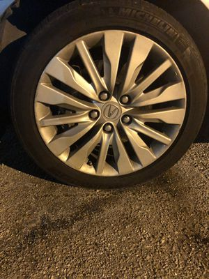Acura RL Rims tires for Sale in Baltimore, MD
