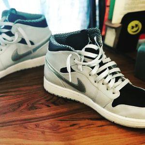 "Air Jordan 1 Retro mid ""wolf grey"" for Sale in Pomona, CA"