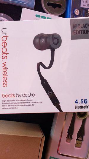 Beats bluetooth headphones for Sale in Pomona, CA