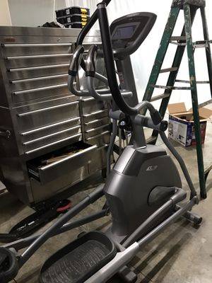 Vision Fitness X20. Elliptical. Great condition for Sale in Oregon City, OR