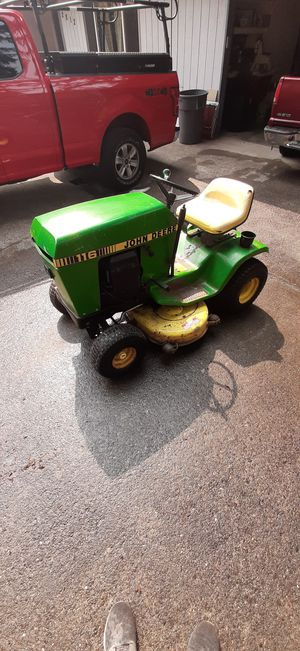 1984 John Deere 116 lawn tractor for Sale in Gig Harbor, WA