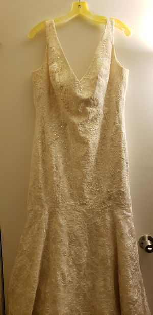 2014 Oleg Cassini Ivory Champagne Wedding Dress for Sale in Aspen Hill, MD