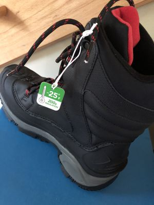 10.5 Columbia Boots for Sale in Olathe, KS