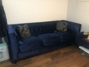 Blue couch for Sale in Aspen Hill, MD