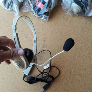 18 USB headphones with mic NEW for Sale in Los Angeles, CA