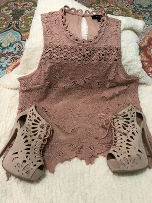 Zapatos y blusa for Sale in Houston, TX