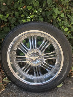 4 rims with wheels size 22s for Sale in Oakland, CA