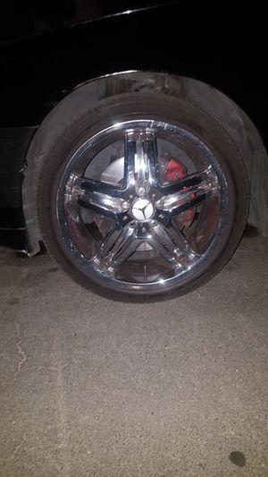 Mercedes 5 lug chrome rims for Sale in Modesto, CA