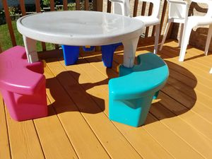 Kid's picnic table for Sale in Bolingbrook, IL