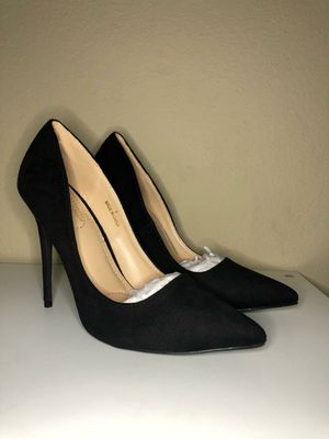 Beautiful heels for Sale in San Jacinto, CA