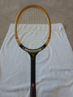 T a Davis professional wood tennis racket for Sale in Phoenix, AZ