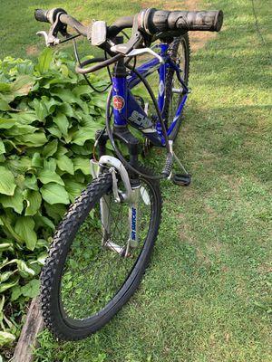 Schwinn bike SIZE 24 for Sale in West Bloomfield Township, MI