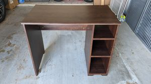 Small Brown Desk for Sale in Pearland, TX