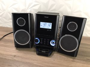 TEAC cd-x70i Compact Stereo System with CD Player, iPod dock, AM/FM for Sale in Scottsdale, AZ