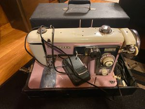 Old sewing machine . for Sale in Maple Valley, WA