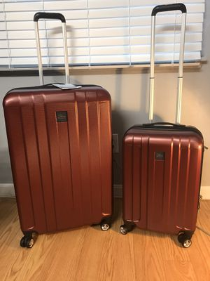 Skyway Whittier 2PCs Expandable Hardside luggage for Sale in Watertown, MA