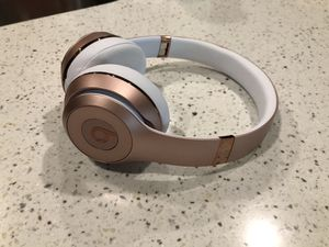Beats Solo3 Wireless Headphones, Rose Gold for Sale in Sherwood, OR