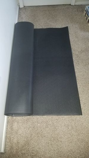 Extra Large Workout heavy duty vinyl black gym mat. 8 foot long x 4 feet wide. for Sale in Deerfield Beach, FL