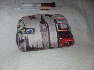 FREE Makeup Brushes with Whimsical Cosmetic Bags for Sale in Tampa, FL