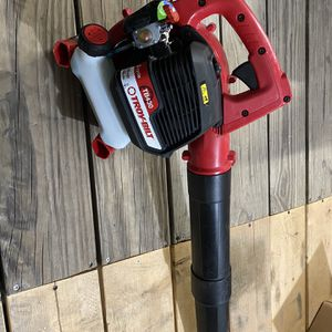 Troy-Bilt 200 MPH 430 CFM 2-Cycle 25cc Gas Handheld Leaf Blower for Sale in Lake Elsinore, CA
