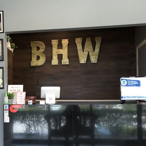 Gold Wall letters (B,H,W) $10 each for Sale in Fort Lauderdale, FL