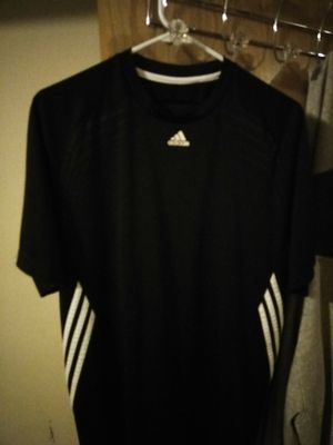 Adidas shirt for Sale in Marysville, WA