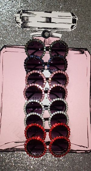 Diamond round sunglasses for Sale in Tyler, TX