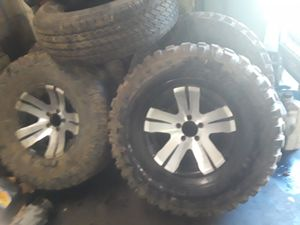 Nice off road wheels and tires 33x12. 50r15 good tires for Sale in Columbus, OH