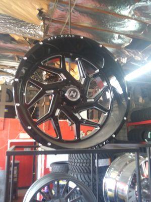 24X12 HARDCORE offroad rims 33X12.50R24 mt for Sale in Phoenix, AZ
