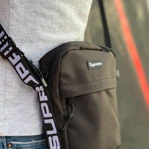 ⚫️ Black Supreme SS18 Crossbody Messenger Shoulder Bag for Sale in Orlando, FL