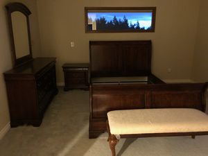 Queen size bed frame, chest with mirror, night stand & bench for Sale in Bellevue, WA