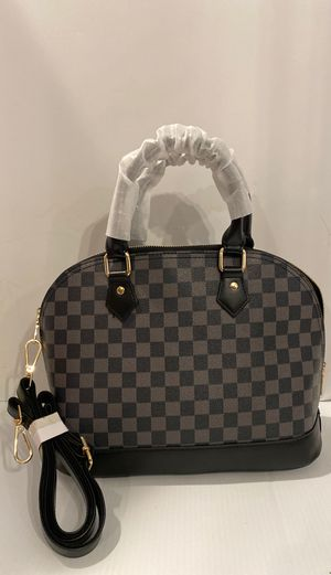UNBRANDED CARRYALL CHECKERED BLK & GREY HANDBAG for Sale in St. Louis, MO