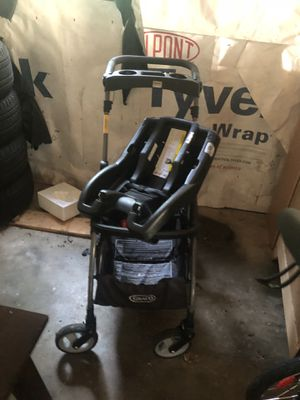 Car seat , 2 bases , snap and go , jogging stroller for Sale in Warrenton, VA