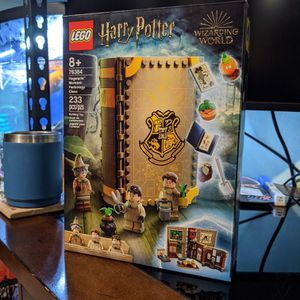 Lego Harry Potter Hogwarts Moment Herbology Class 76384 for Sale in Long Beach, CA