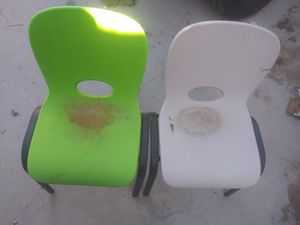 Kids chairs. Need gone today for Sale in Las Vegas, NV