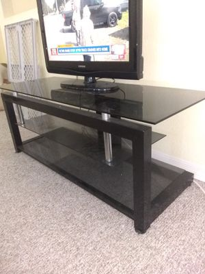 TV stand/ entertainment center for Sale in Tampa, FL