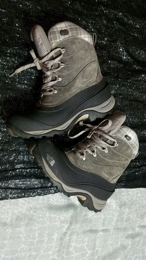Snow boots northface original Size 8 women great conditions for Sale in Oak Lawn, IL