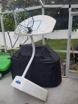 Pool basketball hoop for Sale in Clearwater, FL