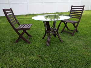 Table with 2 chairs for Sale in Ocoee, FL