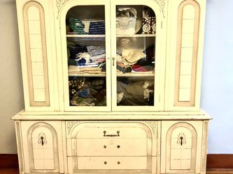 China Cabinet / Hutch / Portable Bar for Sale in Los Angeles,  CA
