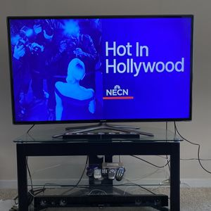 """Samsung 55"""" Full HD Smart Led TV With Table And Speakers for Sale in Fairfax, VA"""