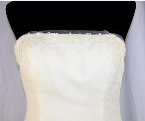Vera Wang wedding dress BNWT size 10 for Sale in Mesa, AZ