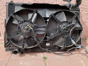 Infiniti G35 Coupe Radiator & Cooling Fan for Sale in Los Angeles, CA