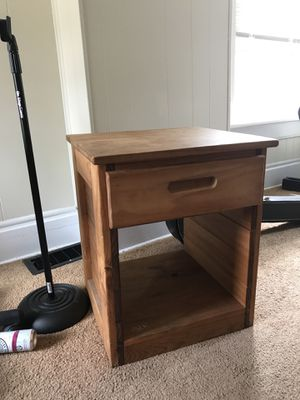 Very solid wooden end table for Sale in Columbus, OH