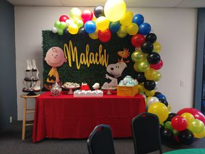Peanuts/ Snoopy Dessert Table for Sale in Chino, CA