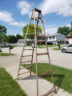 10 foot step ladder for Sale in Canal Winchester, OH