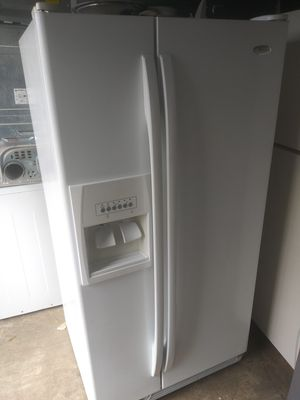 33 inch wide refrigerator for Sale in Norfolk, VA
