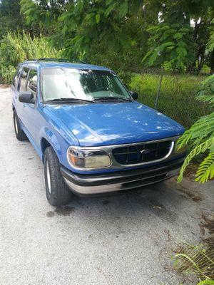 1998 Ford Explorer for Sale in Miami, FL